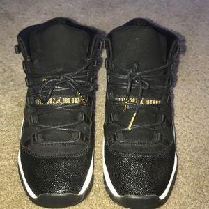 Jordan 11 Heiress Black